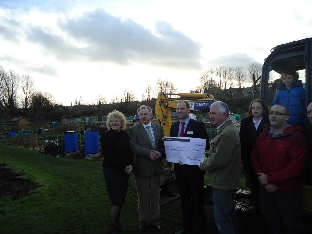 Rossetti House Manager, Mark Barnes presented a cheque for £1000 to the Allotment Association.